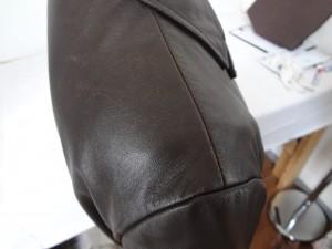 《博多店》 革ジャケットのクリーニング+染め直し修理。