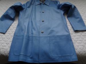 青の革ジャケット スレキズ補修 クリーニング 補色 お手入れは革研究所福岡博多店へ!