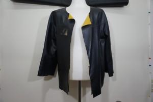 革ジャケットの色あせでお悩みの方は、革研究所福岡店にご相談ください。福岡市早良区西新~