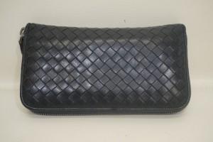 BOTTEGA VENETA ボッテガベネタ 財布のパイピングの破れを、全交換修理で綺麗にしました。