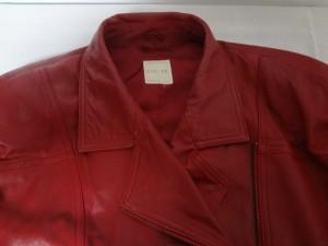 【CIEL-UN】 革の赤いジャケットの染め直し修理は、革研博多店です!