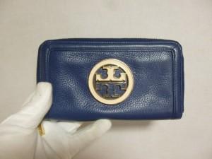 トリーバーチ 財布修理/鹿児島市よりロゴ剥がれ(合皮)による張替&染め直しの御依頼です。
