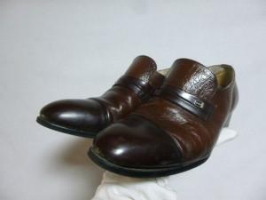 ビジネスシューズ 修理/鹿児島市より靴底剥がれの症状による接着補修の御依頼です。