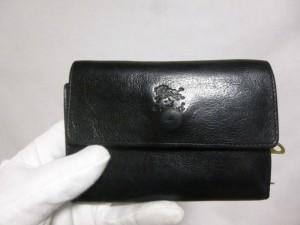 イルビゾンテ財布修理/鹿児島市より「ファスナーが閉まらない」症状によるファスナー全交換修理の御依頼になります。