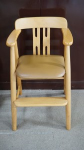 【椅子張り替え】キッズチェア ダイニング お子さまの好きな色に張り替えます☆