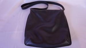 【ヒロフ】ショルダーバッグ しばらく使っていなかったバッグも、擦れ ひび割れ コバ補修で蘇ります!