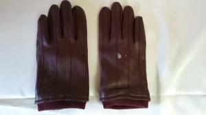 【ラムレザー】手袋 漂白剤で出来たシミ 補修します!
