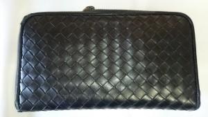 【ボッテガヴェネタ】ラウンドファスナー長財布 擦り切れたコバを再生しました!