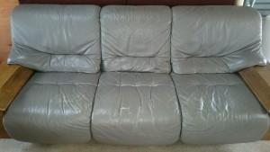 【カリモク】3人掛け 永年愛用のソファ 部分張替えで今後も安心して使い続けられます!