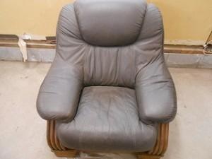 リビングのソファー、色褪せていませんか?ソファーセットの色褪せ修理をしました!