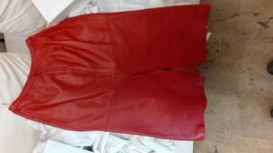 本革スカートの破れ縫製修理