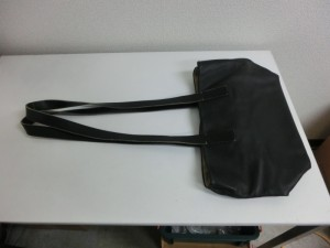 FAUSTO SANTINI バッグの修理 持ち手のカットと四隅のスレ傷補修