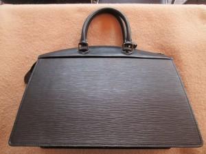 【LOUIS VUITTON】 ルイ・ヴィトン エピ ビジネスバッグ 内袋交換のご依頼です。