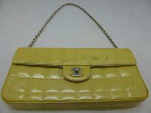 【CHANEL】チェーンショルダーバッグの色褪せ、色移りは染め直し、エナメル補修で綺麗になります。o(^▽^)o