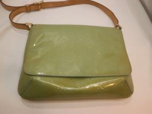 ルイヴィトンヴェルニ トンプソンストリートバッグの変色!劣化具合にもよりますが、内側も染め替え可能でございます。