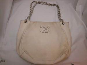 【シャネル】黄ばんでしまったバッグを使うのは、ちょっと!と、思ったら!革研究所の修理・修復ブログを確認下さい!