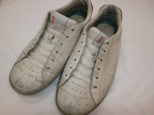 靴汚れが気になったらどうすれば良いの?修理・修復できるのを知っていただければ幸いです!