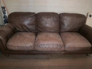 【外国製】本革3人掛けソファーの傷・色褪せ修理!乾燥してカサカサした座面を修復!決して張替えておりませんよ!
