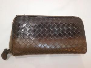ボッテガヴェネタ財布の傷、色あせ修理!柔らかい革はメンテンスが必須です!