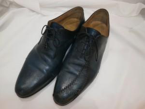 雨で濡れた靴にヒビが!傷から乾燥し酷くなる前に修復のご相談を!