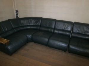 ソファーの汚れを綺麗に!カサカサ革も修理!更にウレタンも補充し、ふっくらと!カリモクソファーセット