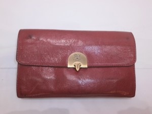 イルビゾンテ財布の黒ずみ!修復する事で、汚れにも強くなる!エイジングを楽しむのも有りですが・・・・