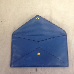 B3 クラッチ プラダ PRADA ソファー、鞄、バッグ、修理、張替、黒ずみ汚れ、クリーニング、色移り、擦り傷、染め直し