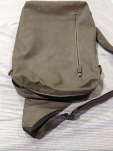 【ARMANI EXCHANGE】アルマーニエクスチェンジ ショルダーバッグのファスナー交換 修理 大阪・奈良・和歌山でバッグ・財布の修理はぜひ当店で!