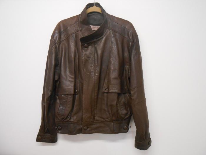 レザージャケットの色あせ・シミ・変色・すれ傷を染め直しで補修 大阪で革ジャンの修理はぜひ当店で!