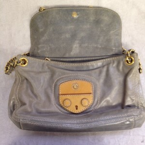 プラダ ショルダー グレー B3 ソファー、鞄、バッグ、修理、張替、黒ずみ汚れ、クリーニング、色移り、擦り傷、染め直し
