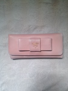 新宿 財布 鞄、バッグ、修理、張替、黒ずみ汚れ、クリーニング、色移り、すれ傷  ピンク プラダ 12