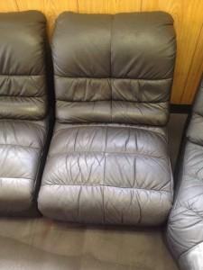 新宿 ソファー、鞄、バッグ、修理、張替、黒ずみ汚れ、クリーニング、色移り、すれ傷  黒 22