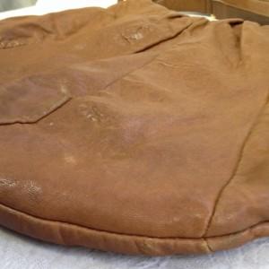 茶色 使用感 B2 ソファー、鞄、バッグ、修理、張替、黒ずみ汚れ、クリーニング、色移り、擦り傷、染め直し