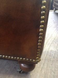 新宿 ソファー、鞄、バッグ、修理、張替、黒ずみ汚れ、クリーニング、色移り、すれ傷  ブラウン 11