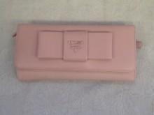 新宿 財布 鞄、バッグ、修理、張替、黒ずみ汚れ、クリーニング、色移り、すれ傷  ピンク プラダ 22